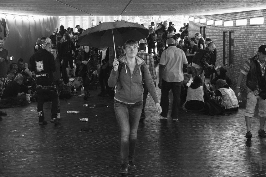 Streetphotography The Street Photographer - 2015 EyeEm Awards Street Photography Streetphoto Streetphotography_bw Streetphoto_bw Blackandwhite People Hamburg Street
