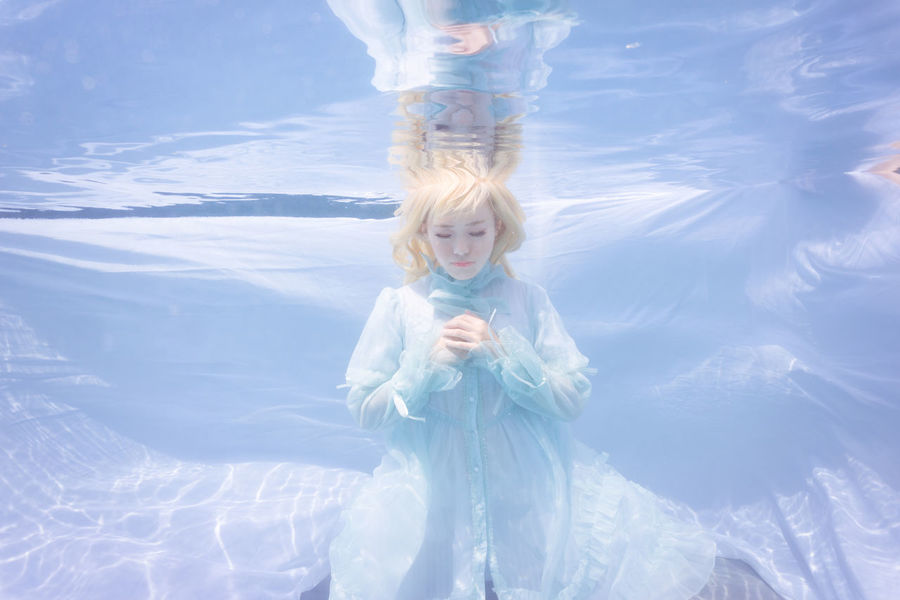 Wish Saber Fate  Cosplay Girl Portrait Solo Single Person One Person People Blond Hair Underwater Water Salt Pool Malaysia Meikon Casing Sony Kitlens Day Outdoors Sonyphotography Sonyimages