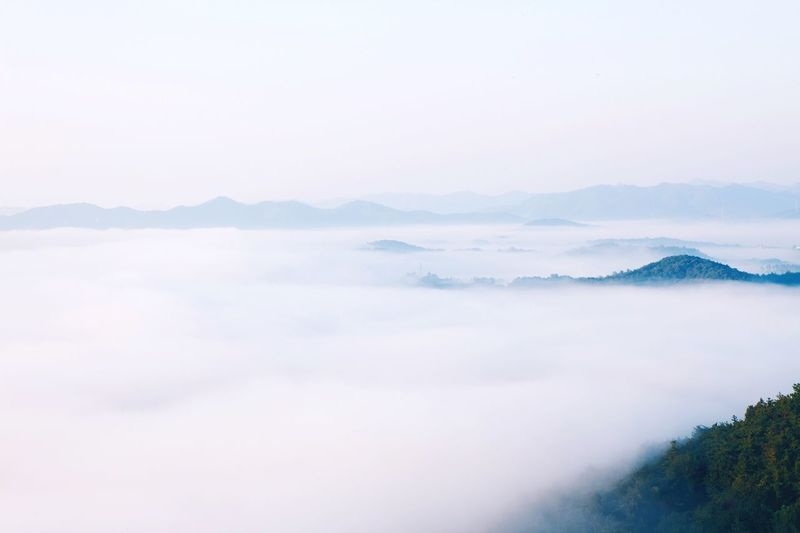 Peacefulness Beauty In Nature Scenics - Nature Sky Tranquility Fog Mountain Tranquil Scene Nature