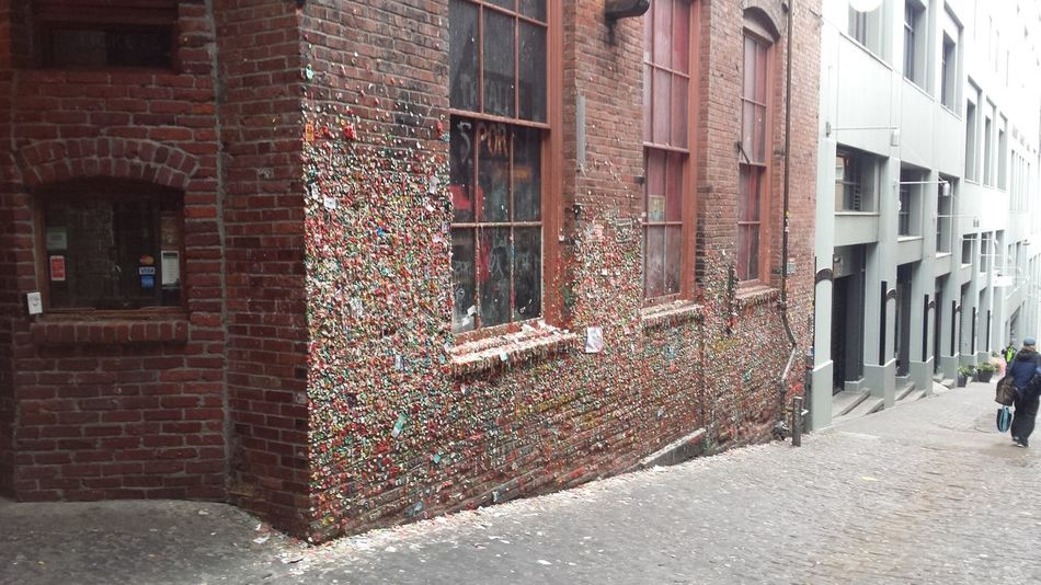 Architecture Brick Wall Bubble Gum Bubble Gum Wall Building Exterior Built Structure Chewing Gum Day No People Outdoors
