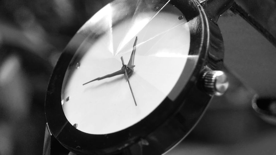 Black&White Watch Black & White Arloji Black Black And White Black And White Collection  Black And White Photography Black&white Blackandwhite Blackandwhite Photography Blackandwhitephotography Blackwhite Close-up Day Indoors  Minute Hand No People Old-fashioned Photography Themes Rijall Rijall Blues Rijallblues Rijksmuseum Technology Time Watch
