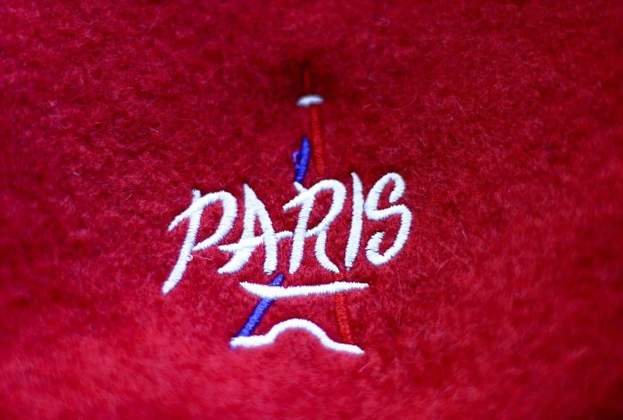 """PARIS"" auf Fleece gestickt Eiffel Tower Paris Fleece Red Text No People Close-up Textile"