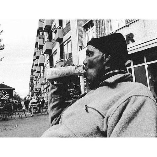   Somali Wine-O   Ricoh Gr Ricohgr Ricohgrd RicohGRII RicohGRDII Bw Bnw Blackandwhite Blackandwhitephotography Streetphotography Grain Portrait Wine Penasol Alcoholic  Wyno Drunk Alcohol Somali Mentalillness Islam Shootfromthehip Nordvest Nørrebro  København Danmark Copenhagen Denmark DK