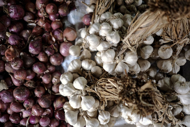 onions and garlic Close-up Freshness Garlic Garlic Clove Her Nature Outdoors Vegetable Vegetable Market