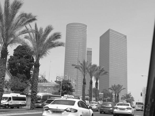 City Skyscraper Outdoors Sky Car Huawei P10 Plus Telaviv Tel Aviv Tower Rush Hour Live For The Story Thearchitect Eyeemawards2017 EyeEm Challenge