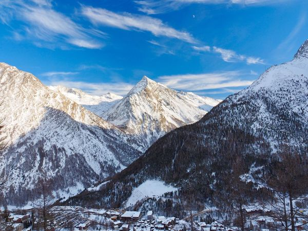 Saas Fee Switzerland EyeEm Selects Snow Mountain Winter Cold Temperature Mountain Range Landscape Scenics Snowcapped Mountain Sky Tranquil Scene Nature Beauty In Nature Cloud - Sky Tranquility Outdoors