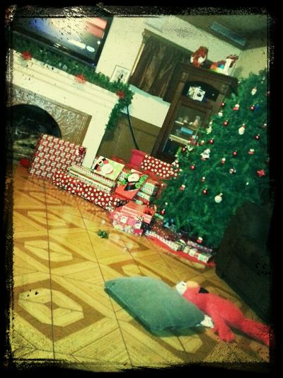 My view as everyone is out all day at the mall -.- #tree #Christmas #tree #gifts