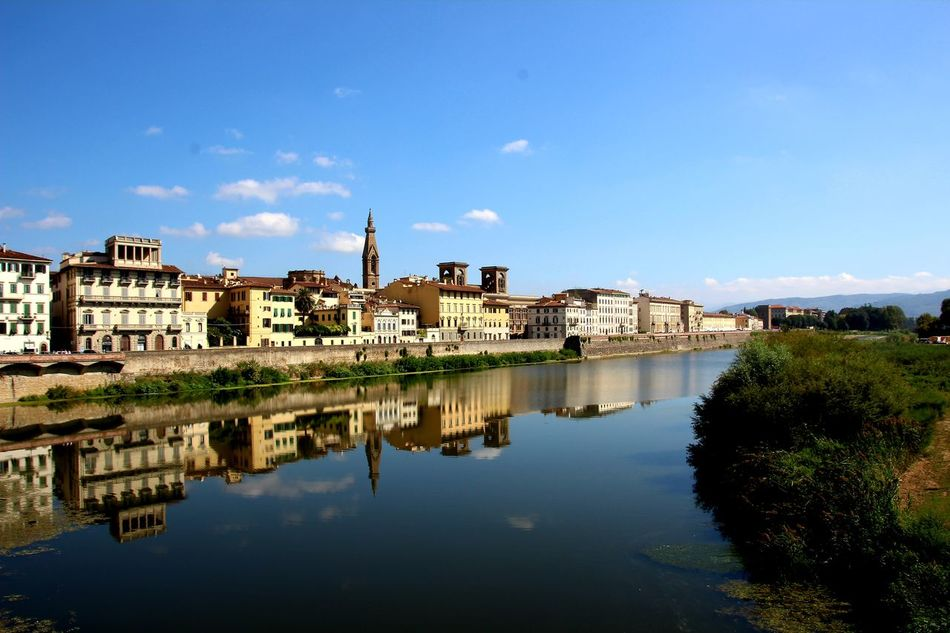 Water Waterreflections  Tadaa Community Firenze Skyline Arno  Historic Ponte Vecchio Picoftheday Skyporn Amazing View Vacations River View Europa Fluss City Water Residential Building Building Exterior