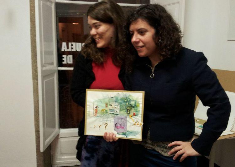 """Sabela Losada e María Meijide na presentación do seu libro """"Lisa sabe"""". En AIRE Centro de Arte. Artgallery Presentationbook"""
