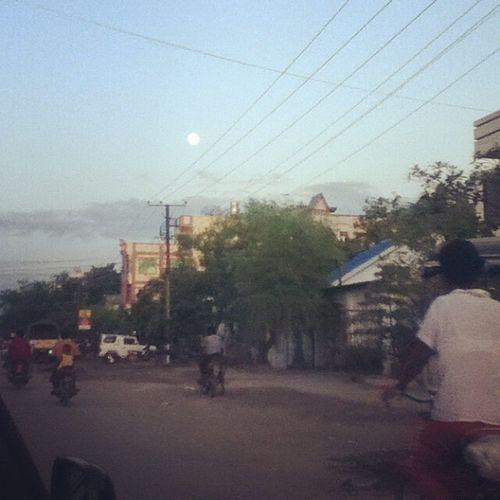 Before full moon day arternoon at mandalay Full_moon Afternoon Mandalay