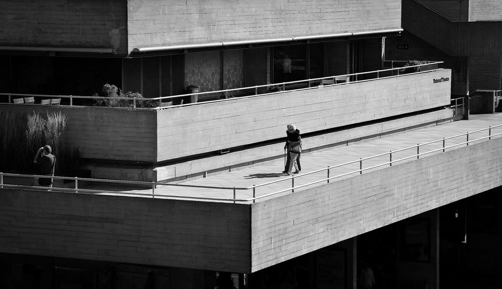 The dark side and the light side Architecture Built Structure Building Exterior City Day City Life Street Photography Streetphotography Black And White Black & White Bllackandwhite Shadows & Lights Outdoors Wall - Building Feature Architecture Diagonal Lines London LONDON❤ Shadow London United Kingdom Light And Shadow Monochrome Photography