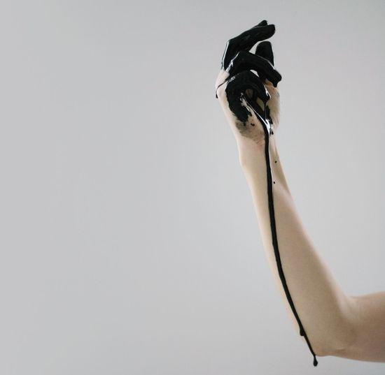 Quel che aveva capito, con certezza assoluta, era che vivere senza di lui sarebbe stato, per sempre, la sua occupazione fondamentale, e che da quel momento le cose avrebbero avuto ogni volta un'ombra, per lei, un'ombra in più, perfino nel buio, e forse soprattutto nel buio. (Tre volte all'alba, Alessandro Baricco) Human Body Part Human Hand Black Paint Blood Black Color Drop Collection Dark Darkart Trickle Run-down Hand