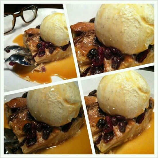 Epic dessert! Breadpudding Craisins Whitechocolate Vanillabeanicecream karlstrauss @daisyditzydo
