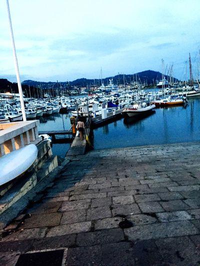 Prendiamo una barchetta e scappiamo? Imperia Italia Liguria