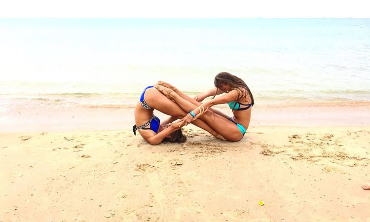 Beach Horizon Over Water Sea Sand Lifestyles Young Adult Person Young Women Vacations Water Relaxation Beauty In Nature Bff ❤ Infinity ∞