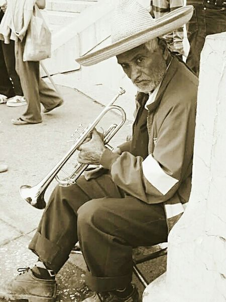 Live To Learn Mexico City street musician Travel Photography Bestoftheday Eye4photography  Photooftheday EyeEm Best Shots EyeEm Best Edits Besteyeemtravel Streetphotography Travelingtheworld