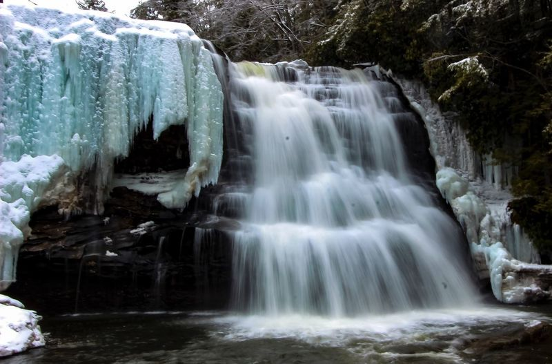 Water Waterfall Scenics Forest Beauty In Nature Tranquil Scene Nature Season  Tranquility Idyllic Non-urban Scene Flowing Flowing Water Outdoors Stream Rock Formation Day Rock Natural Landmark Travel Photography Deep Creek Rickeherbertphotography Shades Of Winter