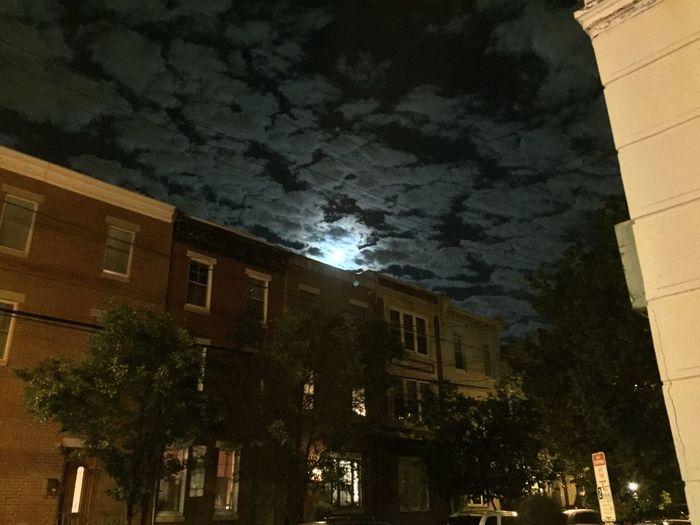 Beautiful full moon last night after work EyeEm Best Shots ATouristInMyOwnCity TheSidewalksOfTheCity ScenesFromTheStreet Full Moon