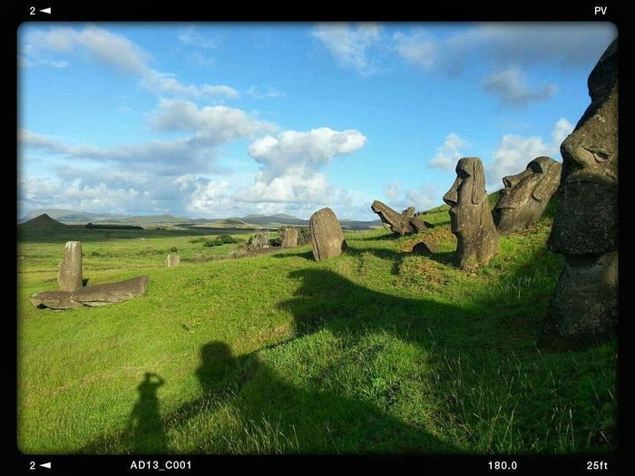 Rano Raraku, Easter Island, Chile Landscape Travel Stunning View Travelphotography Explore Photography Travel Photography Art Gallery Adventure Ocean Traveler Landscape_photography Podróże Nationalgeographic Holidays Exploring Artphotography Hi! Art WOW Hello World History Chile Easterisland Illdepascue