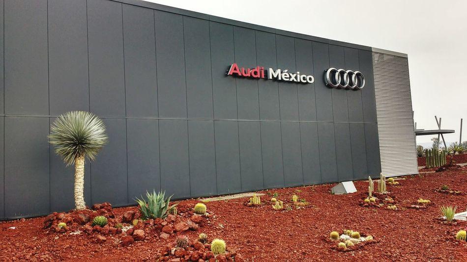 Audi Audi ♡ Factory Factories Mexico Audi R8 Factorywork Factory Outlet