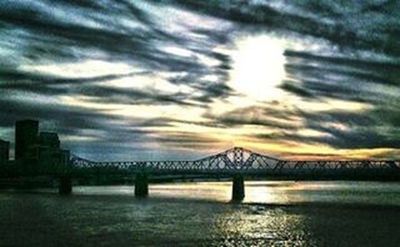 Pretty Sunset over Louisville from a few years ago. Skylines & Cityscapes Igerslouisville Everythinglouisville