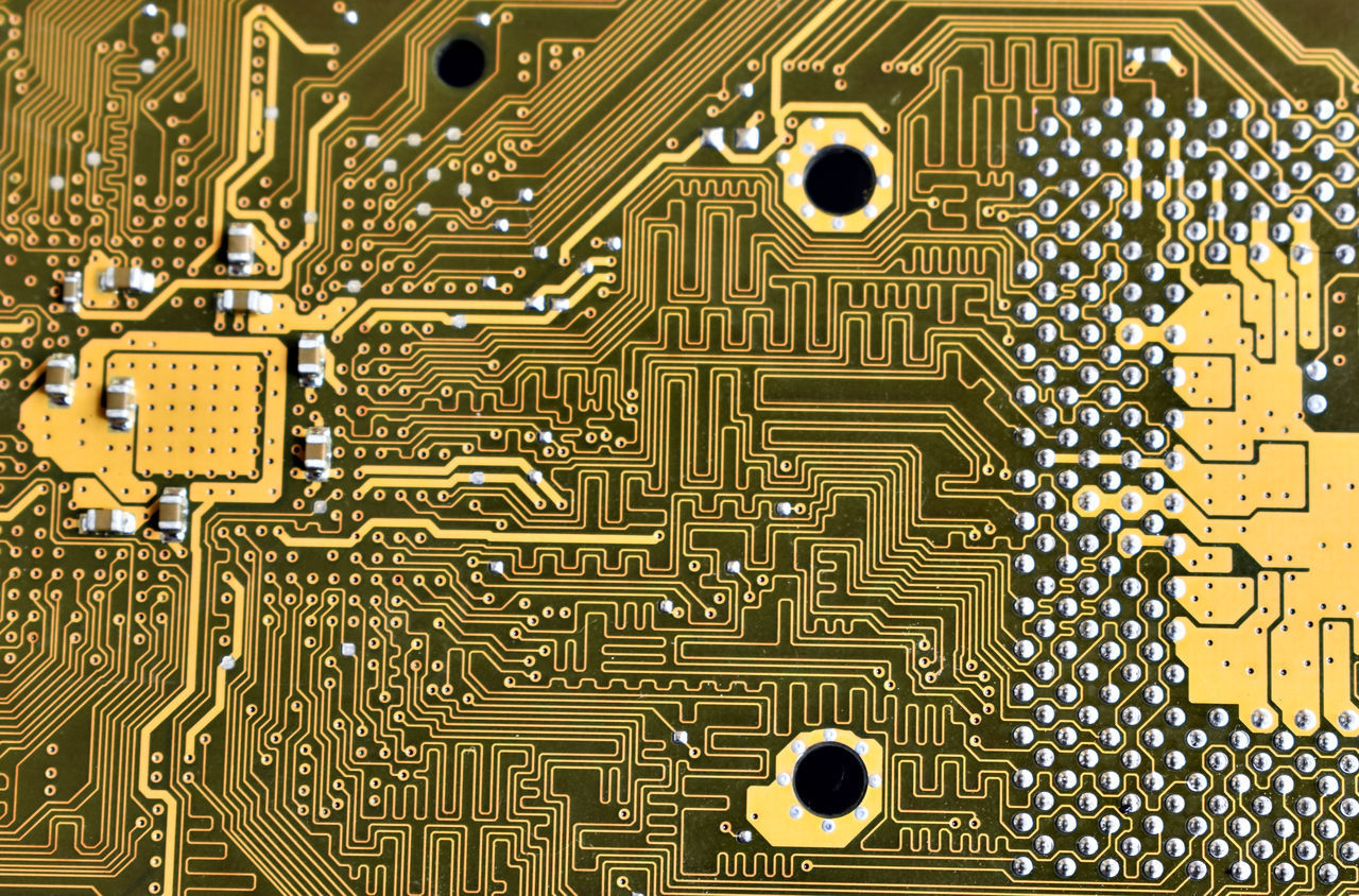 circuit board, electronics industry, computer chip, technology, mother board, equipment, connection, industry, computer equipment, computer, complexity, no people, computer part, close-up, indoors, science, pattern, still life, communication, full frame, electrical component, cpu