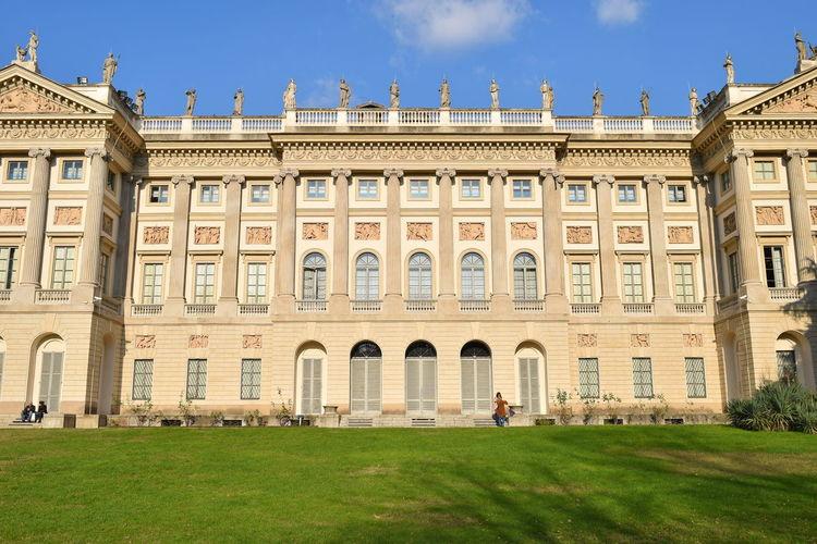 Galleria D'arte Moderna Gallery Of Modern Art Politics And Government City Clear Sky Government Façade Statue Sunny History Palace Sky