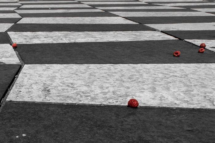 Lost raspberries... Streetphotography Street Art Is Everywhere Nice / Nizza EyeEmNewHere Blackandwhite Drama Raspberries Tiles Berries Fruits Black White Red Outdoors City The Secret Spaces Break The Mold The Street Photographer - 2017 EyeEm Awards The Architect - 2017 EyeEm Awards Visual Feast BYOPaper! Rethink Things