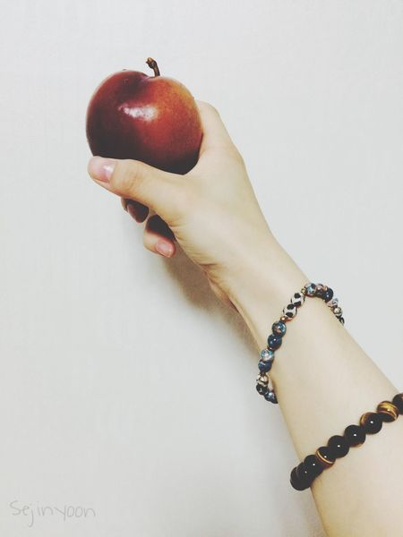 Sound Of Life my father bought plums today. They are small gifts but they make my family happy! 🍎it seems like an apple but is is a plum! Haha and most importantly, it is ssssssooooo delicious! Thank u😊 dad Present EyeEm Best Shots IPhoneography Photography Fruits Enjoying Life Reds Plum Iloveit