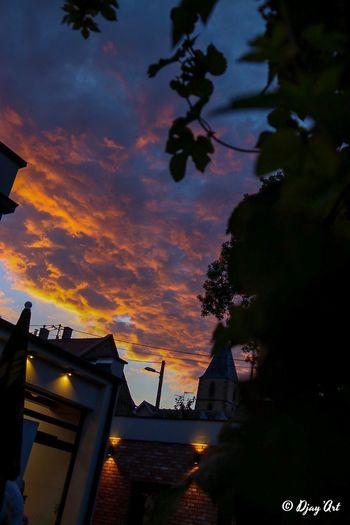 Le ciel brille
