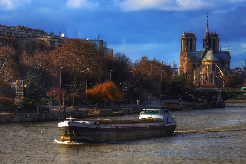 Landscape Paris France Europe Seine River Cathedral Bridge Birds Enjoying Life EyeEm Best Shots Saint-Michel Boats Luxury Wide Angle