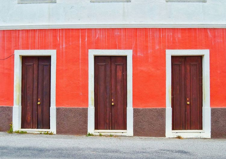 Building Exterior Red Door Architecture Built Structure Day No People The Architect - 2017 EyeEm Awards Amazing View Amazing Photo Amazing_captures Architecture Amazing Photography So Cool Perspective Photography