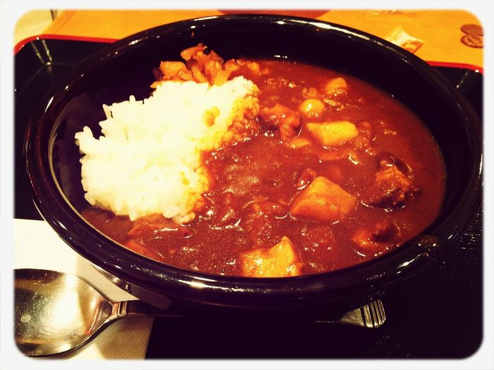 すき家のカレー(並)を食べたよ(*^▽^*) Eating