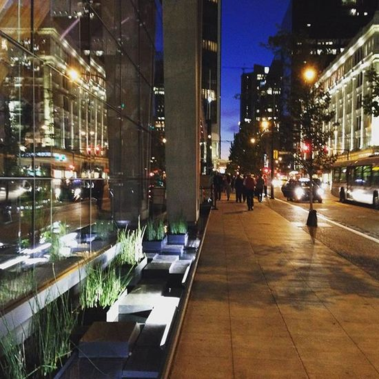 Downtownliving is where the Lights doesn't seem to go off even at night, illuminating the City of Vancouver 温哥华 晚安