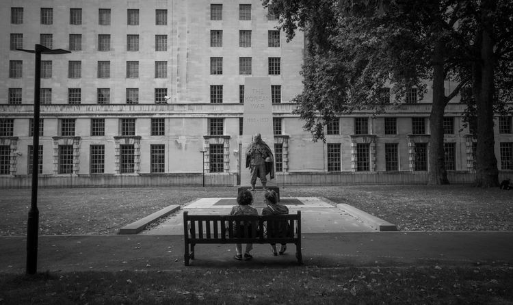 Architecture Black Blackandwhite Koreanwar London Park Park - Man Made Space Park Bench Reverence Urban