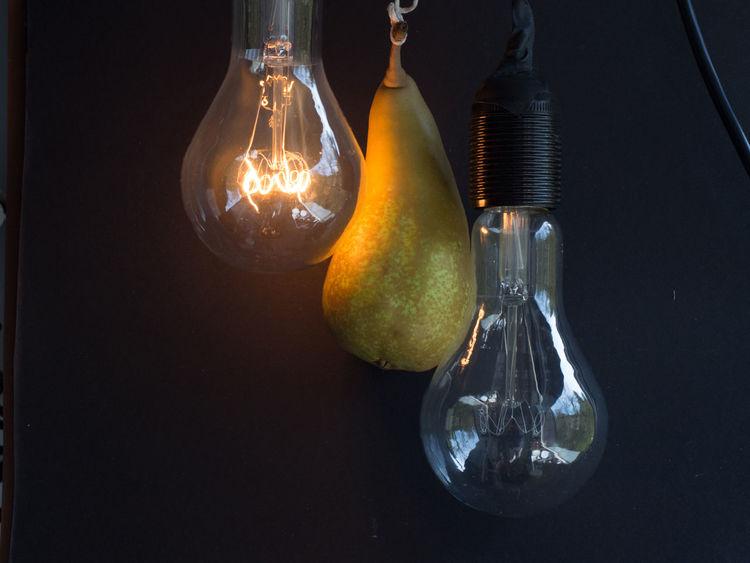 Birne, Lamp, Bulb, Elertische Lampe, Glühlampe, Lampenwendel, Wolframdraht Black Background Close-up Fruit Indoors  Light Bulb Technology In A Row The Still Life Photographer - 2018 EyeEm Awards