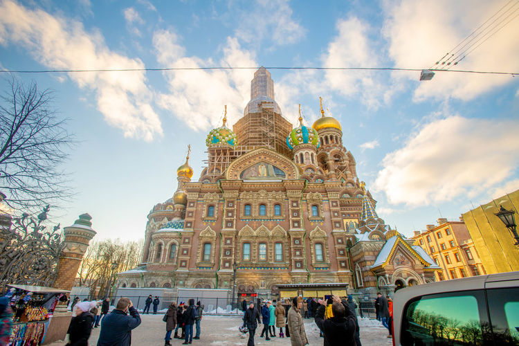Architecture Built Structure Group Of People Building Exterior Sky Real People Religion Women Cloud - Sky Place Of Worship Belief Crowd Men Travel Walking Nature Adult Large Group Of People Tourism Spirituality Outdoors Savior On The Spilled Blood Russia St. Petersburg St. Petersburg, Russia