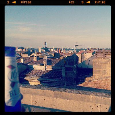 Une bière, un toit