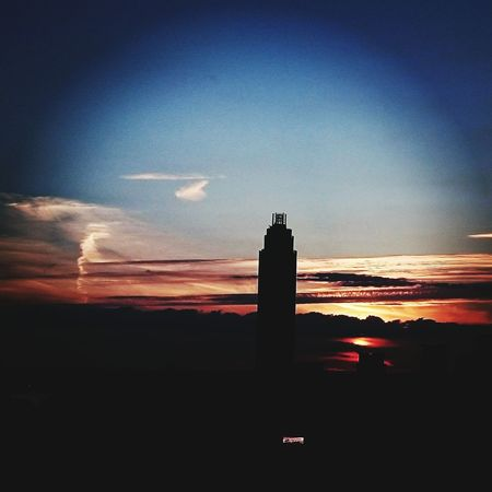 Sunset #sun #clouds #skylovers #sky #nature #beautifulinnature #naturalbeauty #photography #landscape Sunset_collection Sunset Sunset And Clouds  London Landscape_photography