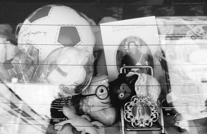 More on https://www.facebook.com/leccecomelacantoio/ Lecce Lecce - Italia Lecce City Leccecomelacantoio Bnw Bnwphotography Disorder Blackandwhite Blackandwhite Photography Toys Religion Mess Creepy
