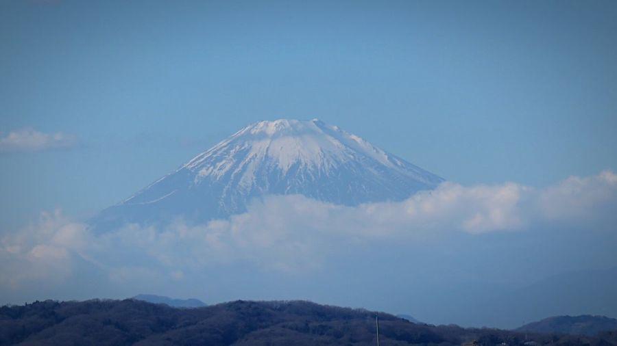 Idyllic Shot Of Mount Fuji Against Sky
