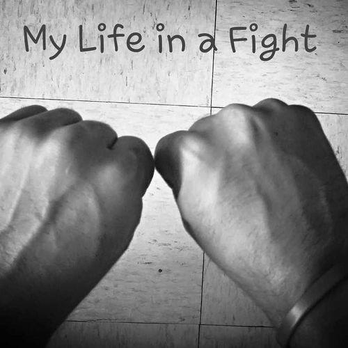 """Preparandome para ser un buen peleador, los golpes fisicos se quitan el golpe emocional jamas """"Si soy el campeon de las letrinas, en que te convertias cuando te arranque el corazon en el ring"""" Motivado Actitud"""