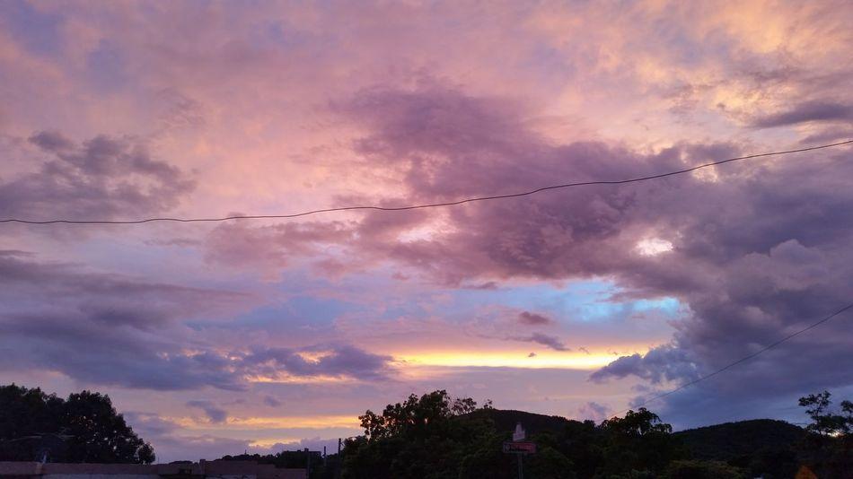 Antes De Maria Sunrise And Clouds Dramatic Sky Cielo Dramático Antes Paso María