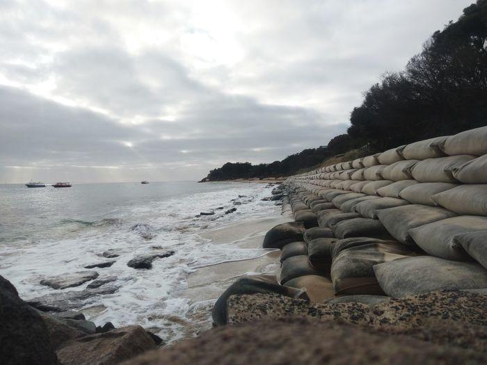 barricade Waves