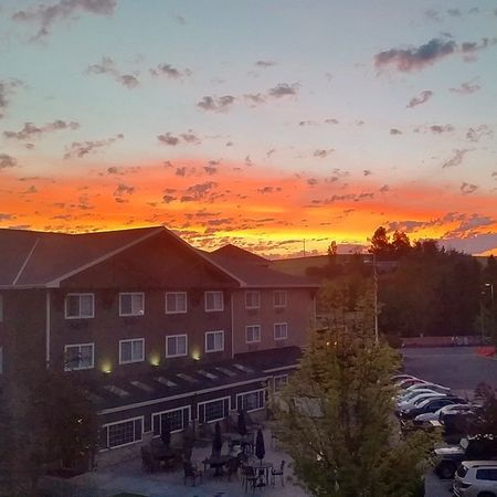 Early Sunrise in Pullman Wsu Washingtonstate hope the saying red sky at morning, sailor take warning doesn't apply today