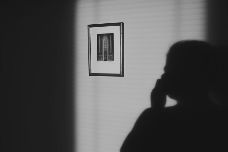 Sillouette Light And Shadow Shadowplay Shadows & Lights Blackandwhite Blackandwhite Photography Black And White Monochrome monochrome photography Women Shadow Rear View Close-up Camera Photographing Photographer Taking  Self Portrait Photography Selfie Photography Themes My Best Photo