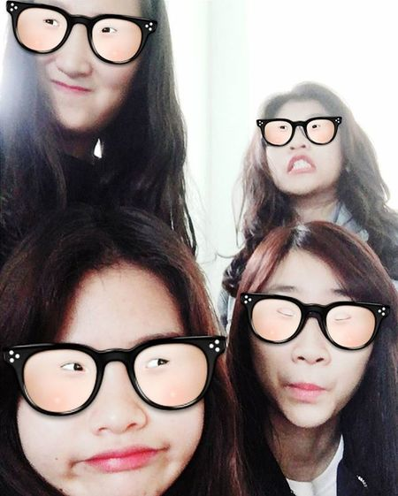 Halfway through first semester final exam 🙀 P/S: nerd mode on 👓📖 =))) . . . . . Selfie Actdeep Girls University Universitylife Joke Overacting Instadaily Photo Photooftheday Finalexam Firstsemester NerdMode Funnyface Friends Teamsốngảo Hộichịem