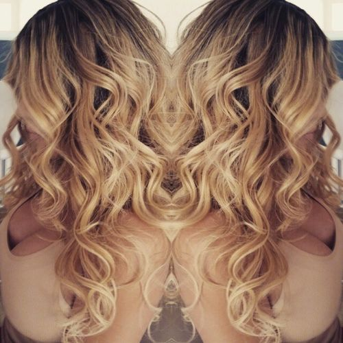 This girl has the best hair ever. BlowOut with Volume. Then create texture and tease the base. Curl curl curl and pull apart PatriciaLynnLaasHairCo Hair Blondehairdontcare Bblogger hblogger FBlogger chantelzales (Made withphotomirror )App from@caesarapp