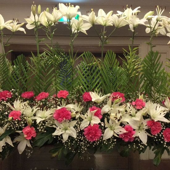 Hydrabad Flower Display Pink Carnations glass panel India