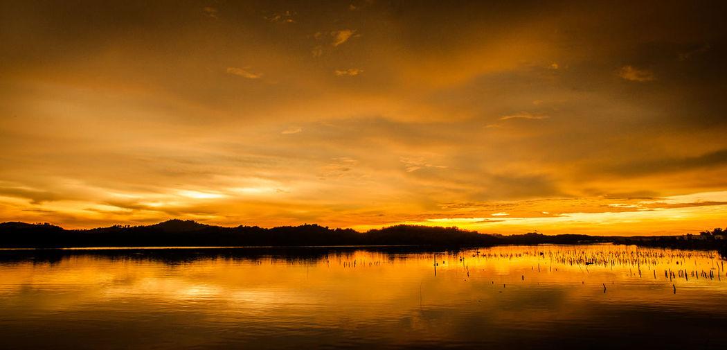 Mengkabong Bay Beauty In Nature Bestoftheday Cloud - Sky Eeyem Nature Lover Eeyem Photography Goldenhour Malaysia Malaysianphotographer Mengkabong Rive Mengkabong River Orange Color Reflection Reflection Sabah Borneo Sunset Sunset Silhouettes Sunsetmoment
